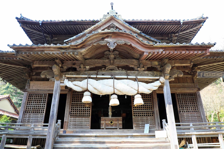 島根旅遊-大森町 城上神社:創建600年指定有形文化財.天花板的鳴龍好威猛 @愛旅行 - 右上的世界食旅