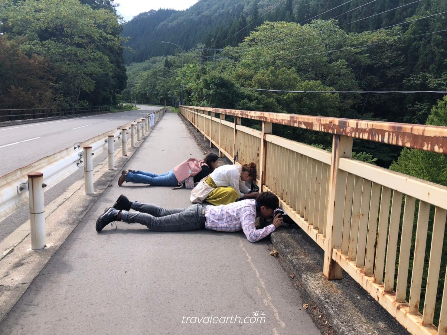 秋田內陸線搭乘攻略&秋田內陸線八景鐵道攝影:大又川橋梁、森吉山眺望、比立內橋樑 @右上的世界食旅