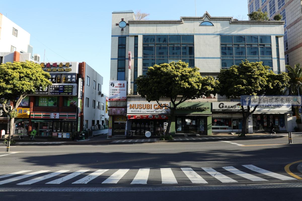 濟州島飯店-機場接送.房間大.24小時超商:Maison GLAD Jeju @右上的世界食旅