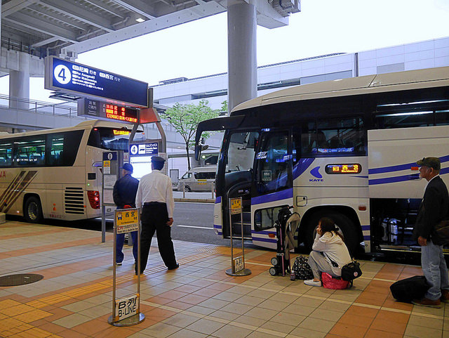 從關西機場搭利木津巴士去神戶:免換車又便宜!巴士直通神戶攻略