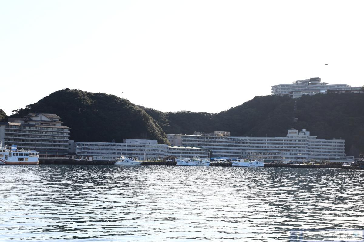 和歌山 紀伊勝浦溫泉|天然洞窟大浴池.整座島都是飯店:浦島HOTEL @右上的世界食旅