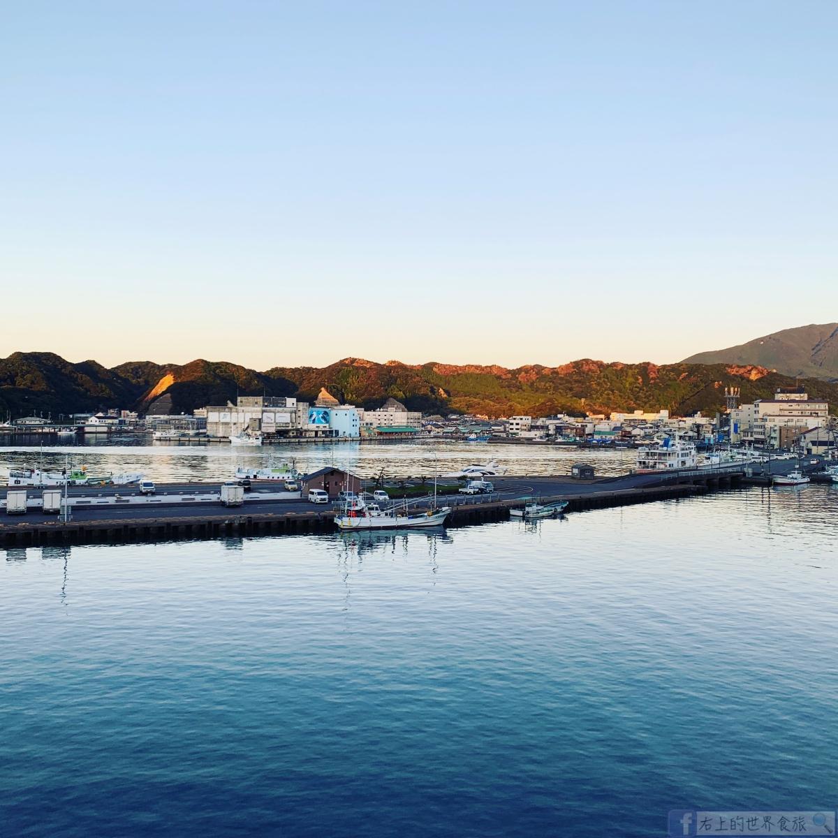 和歌山 紀伊勝浦溫泉-天然洞窟大浴池.整座島都是飯店:浦島HOTEL @右上的世界食旅