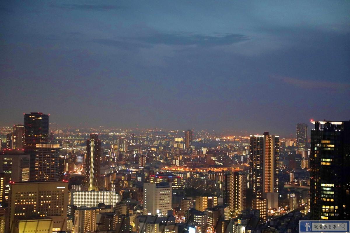 大阪旅遊-梅田空中庭園.藍天大廈展望台:大阪必訪,360度無死角絕美夜景 @愛旅行 - 右上的世界食旅